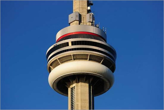 550px-CN_Tower_1