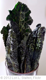 'Kale Chips' photo (c) 2012, Lori L. Stalteri - license: http://creativecommons.org/licenses/by/2.0/