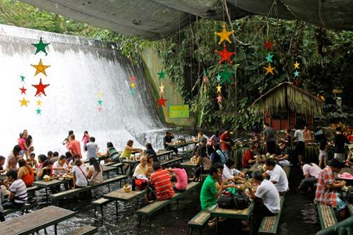 waterfall-restaurant-phillipines-1
