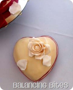Rose heart Cake copy