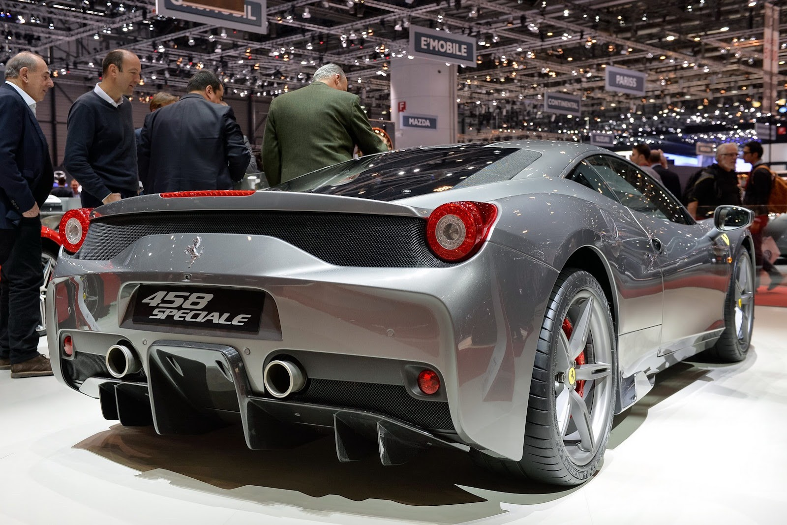 http://lh4.ggpht.com/-T8egWSGl77k/Uxc4ycLTs4I/AAAAAAAQVYM/a-TuaWCmJaY/s1600/Ferrari-458-Speciale-4%25255B2%25255D.jpg