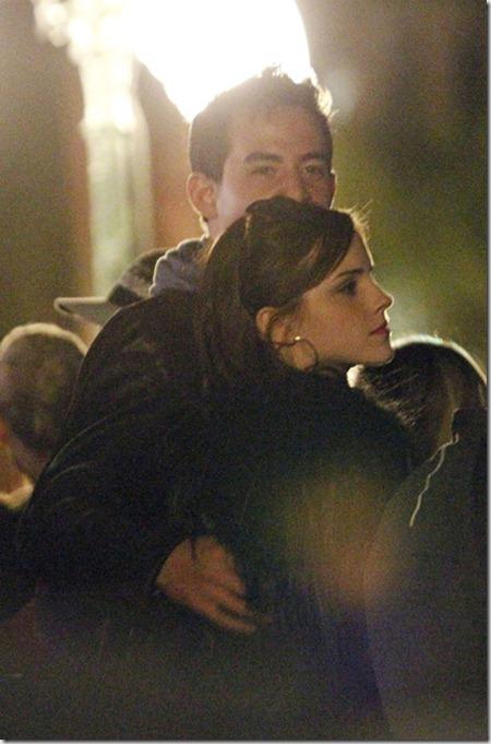 Actress Emma Watson seen snuggling up mystery V9WKSP-2Ppvl