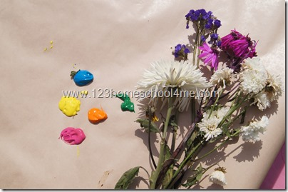 Summer Painting with flowers for toddlers
