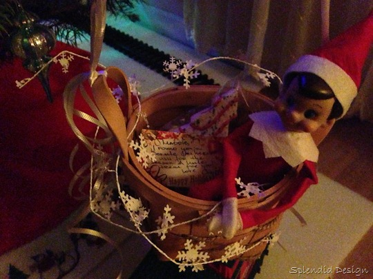 Elf on the Shelf with a note