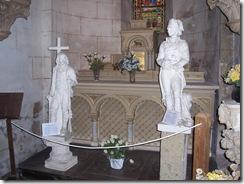 2012.11.10-005 statues dans l'église St-Pierre