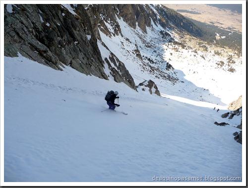 Corredor Gigolo 240m 65º IV (Cambre d'Aze 2750m, Cerdanya, Pirineos) (Omar) 0043