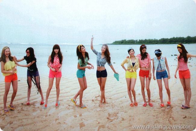 Foto Seksi SNSD Liburan di Pantai || gudangcewek.com