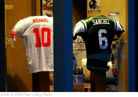 'Manning and Sanchez' photo (c) 2009, Paul Lowry - license: http://creativecommons.org/licenses/by/2.0/