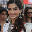 Sonam Kapoor Latest Cute Photo Gallery 2012