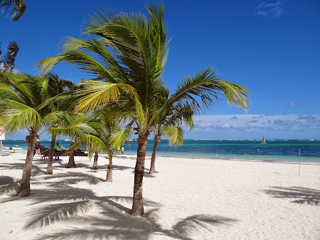 Vacanta Republica Dominicana: Granita dintre plaja hotelului si plaja publica