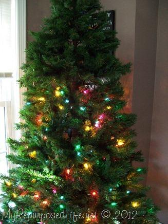 pre-lit Christmas tree lights out