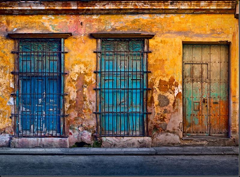Colores en las calles de La Habana vieja. Gerry Pacher