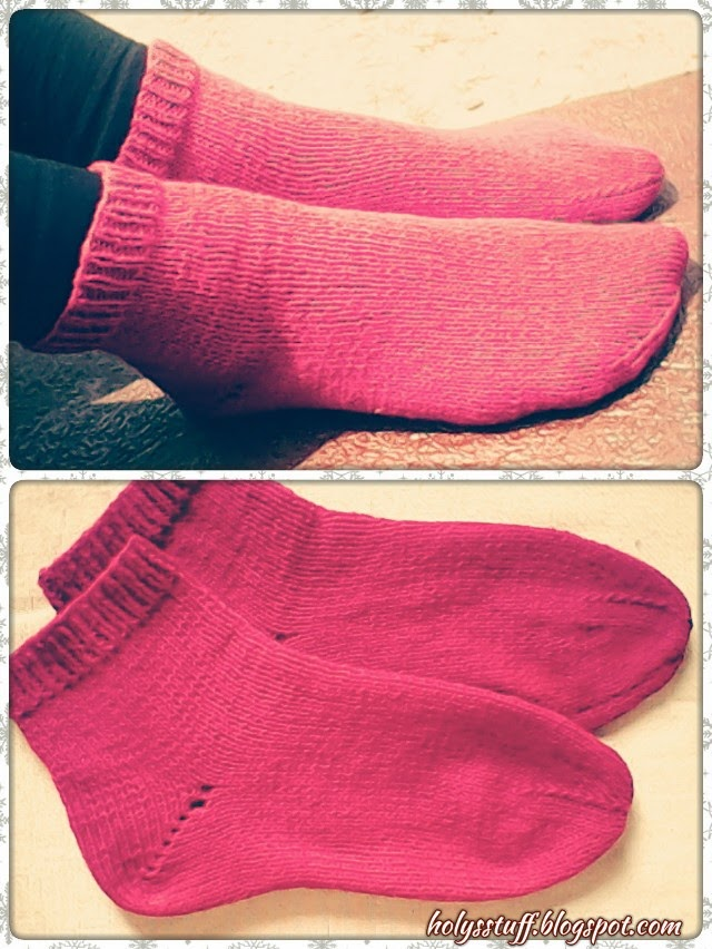 Free Two Needle Sock Knitting Patterns : Free pattern: easy knitted straight needle socks Holys stuff
