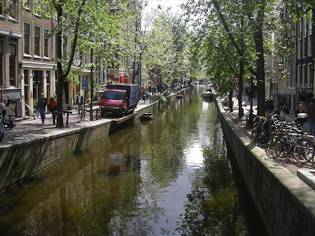 Obiective turistice Olanda - canalele din Amsterdam.jpg