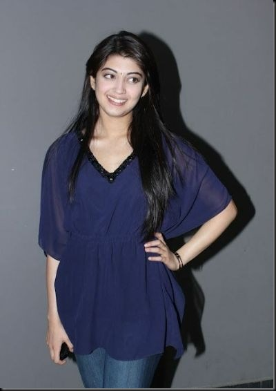 pranitha-spotted-at-hotel-2