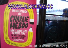 DSC02882.JPG tidskrift Charlie Hebdo Sergels Torg och demonstration. Med amorism