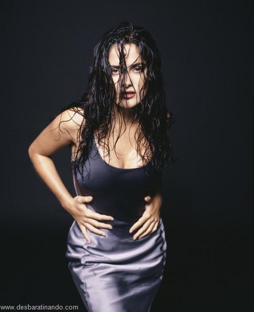 salma hayek linda sensual sexy sedutora gostosa peituda boob tits desbaratinando  (25)