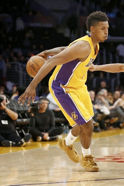 wearing brons nba lebron1 nick young wheat 02 Nick Young Wears the Wheat Nike Air Zoom Generation