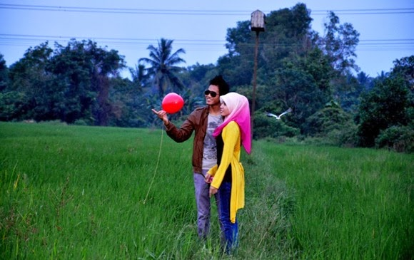 outdoor photoshoot sawah bendang