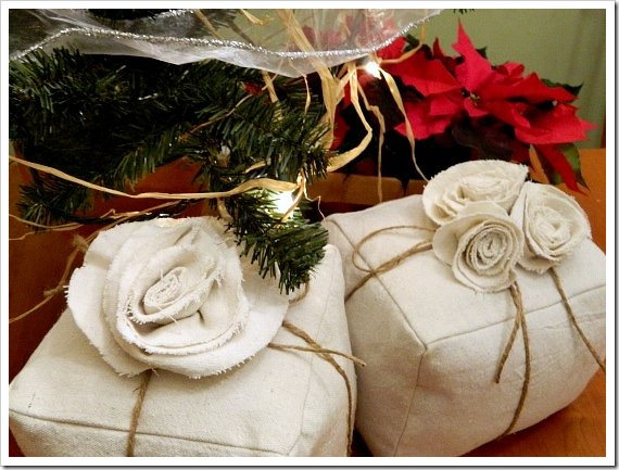 Present Pillows Twine (550x413) (2)