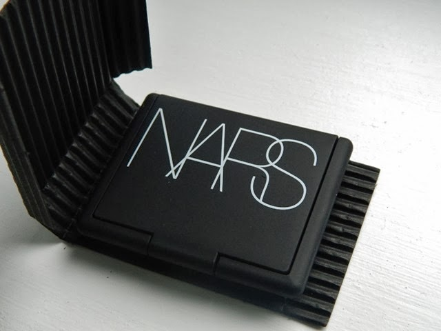 NARS blusher in Coeur Battant