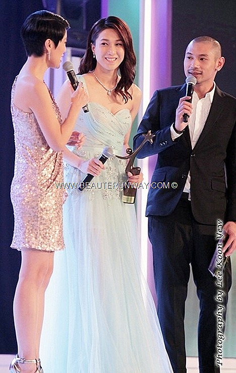 Starhub TVB Awards Winner Linda Chung Ka yan Best Smile Award Pearlie White Dazzling Smile My Favourite TVB Female Character L'Escargot Yes Sir, Sorry Sir Moses Chan Favourte On Screen Couple Singer dreamy mint crystals dress