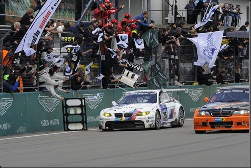 bmw-nurburgring-win-3 (1)