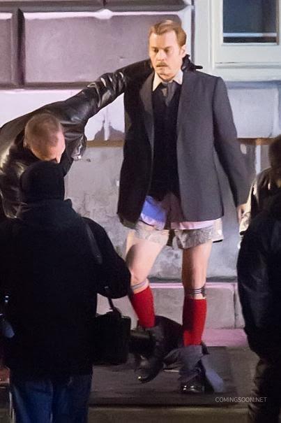 Johnny Depp bokszerben és térdig érő zokniban a Mortdecai forgatásán 11