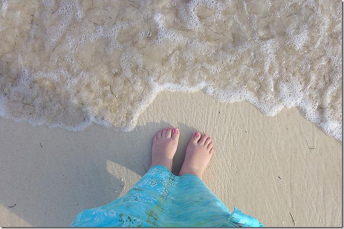 web 2014 02 11_Mexico_0113_waves on feet