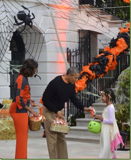 white-house-halloween-best butt2