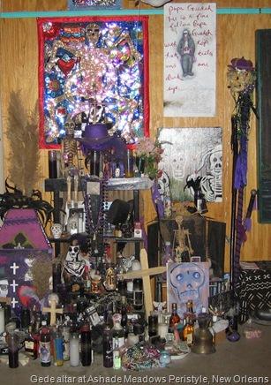 Peristlye Gede altar