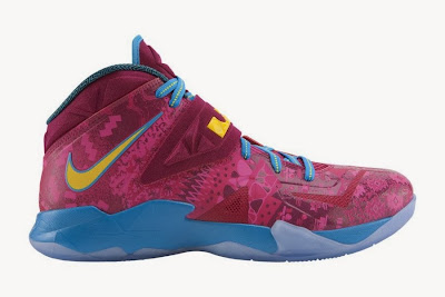 nike zoom soldier 7 gr hyper fuschia 2 01 ZOOM SOLDIER VII Hyper Fuschia/Tour Yellow/Raspberry Red