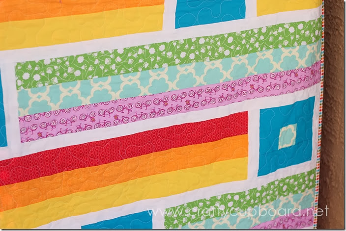 Breezy Quilt Close Up by the Crafty Cupboard