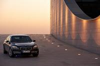 2013-BMW-7-Series-14.jpg