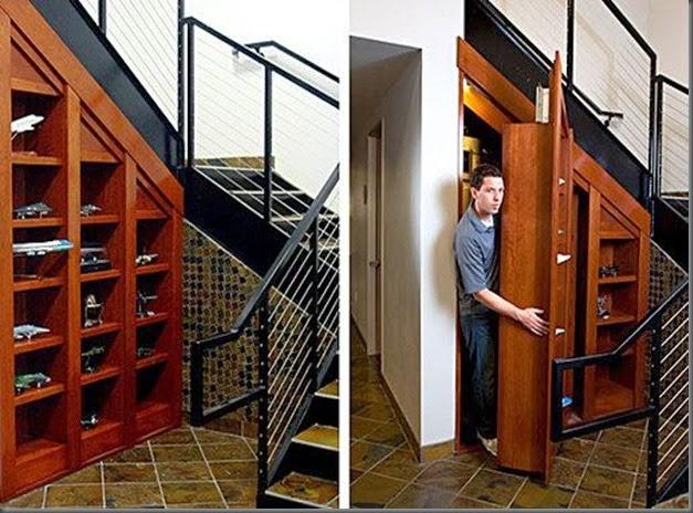 Bajo escalera con lugar secreto