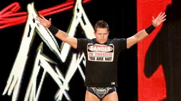 The Miz haciendo su entrada en RAW