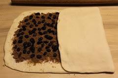 modern-lardy-cake-crown_114