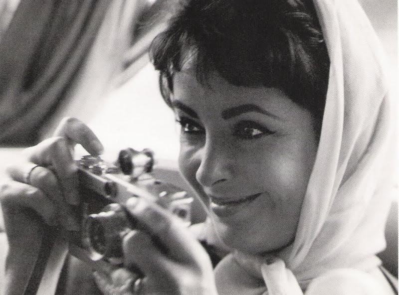 Sam Shaw. Elizabeth Taylor. Rome. 1962.jpg