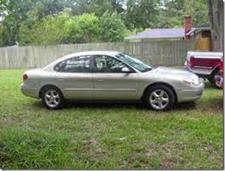 2003_Ford_Taurus-1
