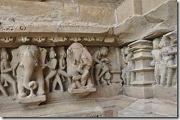 kajuraho 046 lakshmana temple scene grivoise