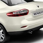 2013-Renault-Fluence-12.jpg