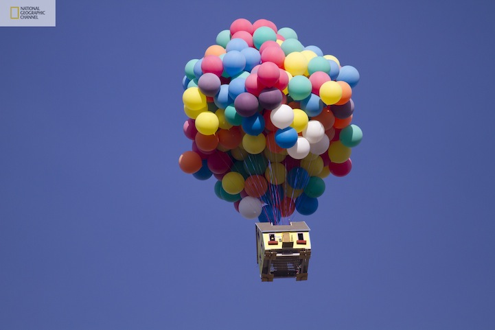 Flying-Balloon-House-Inspired-by-Disney-Pixar-Movie-Up-11.jpg