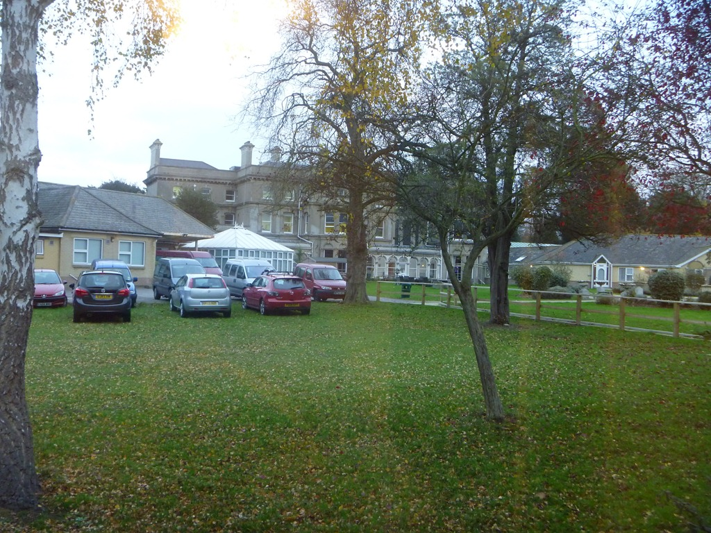 [2011-11-29-Strode-Park-0293.jpg]