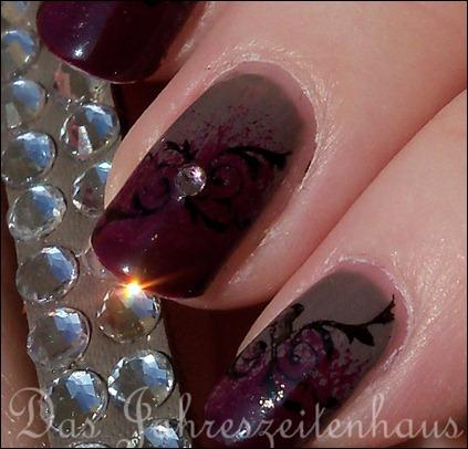 Gothic Nail Design 2