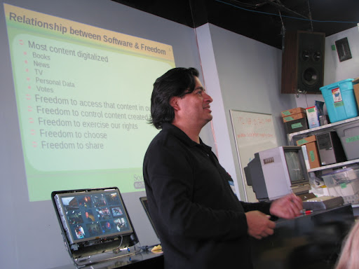 Raul Suarez giving his talk on Free Software, for Software Freedom Day 2010 at Kwartzlab. Photo by lothlaurien.ca. Licensed under a Creative Commons Attribution 2.5 Canada License.