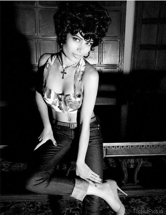 Freida Pinto Sexy 2012 Pics from Magazine 5
