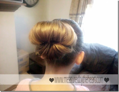cute easy hair bun
