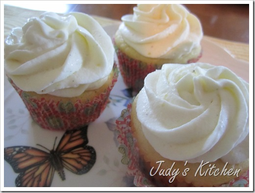 lemon cream cupcakes (2)