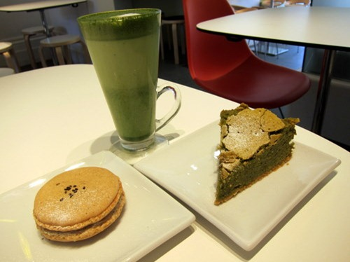 Green Tea Gateau Chocolat, Sesame Macaroon, Hot Matcha (green tea) Latte
