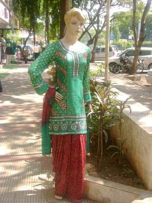 Imbracaminte Iran: Salwar Kameez